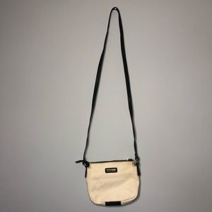 ⭐️ 2/$30  Vintage Tommy Hilfiger Crossbody Bag